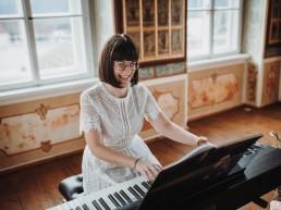 Stimme und Klavier - Bernadette Knapek